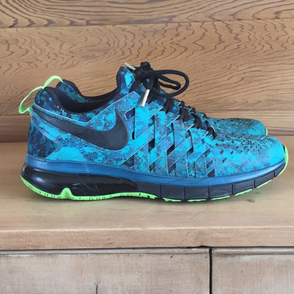 NIKE Fingertrap Max NRG in blue fdebb6254c3c